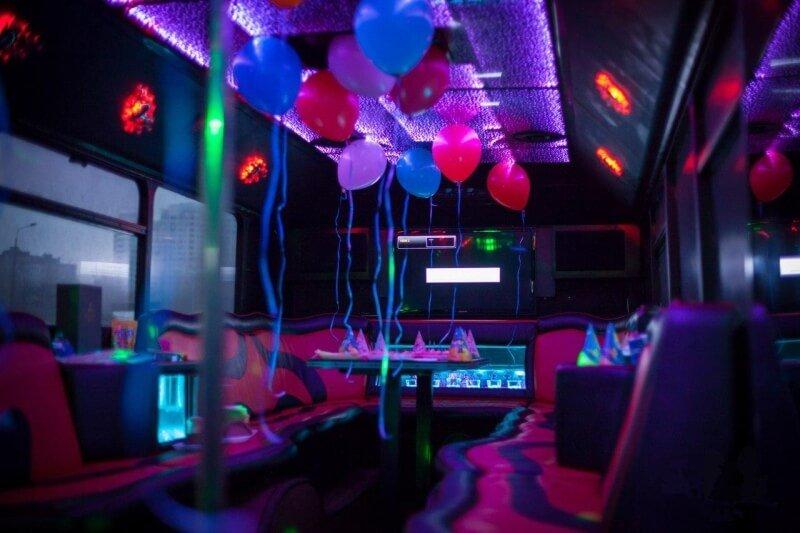 1451467854_partybusvegas_3