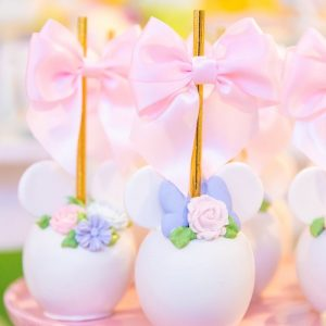 Pastel-Minnie-Mouse-Daisy-Duck-Party-via-Karas-Party-Ideas-KarasPartyIdeas.com28